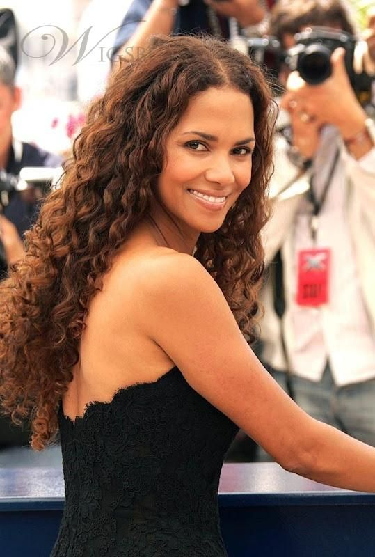 Hairstyles for women over 40 to make you look better